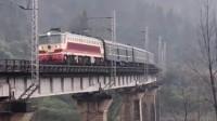 火车在轨道上行驶,速度不快,却造福了老百姓