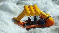 世界上最安全的皮划艇,不管浪多大也不怕翻船,海贼王专属船只!