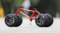 高手在民间!牛人在自行车上装四个大卡车轮胎,速度太惊艳了!