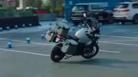 现在摩托车都有全自动的了,估计再过几年,人类真的就可以躺着不动生活了