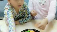 童年趣事:妈妈今天发西瓜泡泡糖了