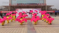 风中梅花广场舞:开门红(集体扇子舞表演)