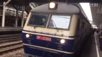 数百名乘客洒泪在南京站送别末班7102次列车!