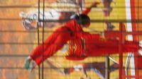 苏州09年11月天平山红枫节杂技表演2--女孩单手倒立