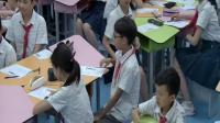 六年級英語《What does he do》第一課時獲獎教學視頻