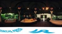 在塞舌尔岛上最奢华的玛雅酒店与美女共浴的美好时刻