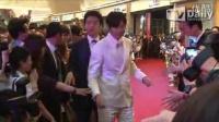 2013中国电影节 张东健VS郑雨盛黑白配帅气对决