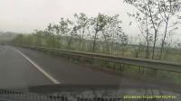 [拍客]丰田斗气超车后别起亚 行车记录仪完全记录车祸