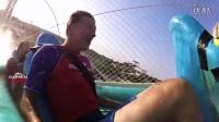 第一视角体验世界最高滑水道 17层楼高极速俯冲51米