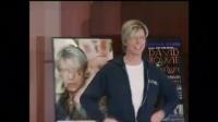 蜡像馆人员保留大卫鲍依头发 将被拍到4000美元 160621