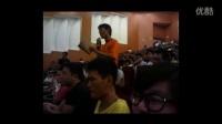 [拍客]司马南海南大学讲座被扔鞋视频