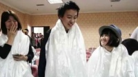 李亚鹏带两女儿做公益 李嫣高原反应仍坚持 160704