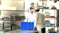 张艺兴厨师体验螃蟹哥们你别走