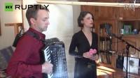 奥地利: 看音乐家身怀绝技,同时唱两个音符