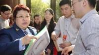 揭军队明星待遇:李双江并非中将 阎肃级别最高 151209