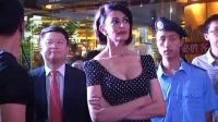 古欣娜塔性感亮相上海 分享来中国拍戏的感受 120618