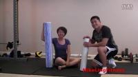 FitTime 自我按摩、拉伸、防止膝盖损伤的最佳方法 - 泡沫轴滚压