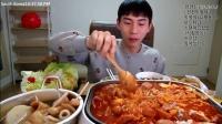 韩国吃播: 奔驰哥吃自制全家福火锅, 好丰盛