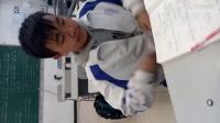 同学在学校尿裤子了。。。无语