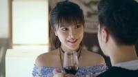 演艺圈黑幕!导演狂撩年轻女演员