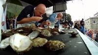 世界吃生蚝大赛,三分钟的饕餮盛宴,一口一个,直接吞入腹中