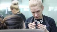俄罗斯女孩爱上学化妆-化妆学员-蒙妮坦化妆学校