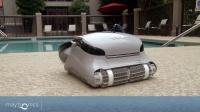 MaytronicsC3以色列海豚全自动游泳池吸污机在私家游泳池水中工作视频赏析