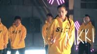 """《这!就是街舞》第二季录制 罗志祥修楼梯战队大跳""""香蕉舞"""""""