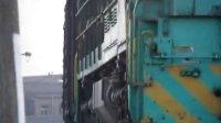 ND5牵引货列过弯