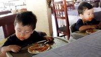 【时光】双胞胎遭遇饿神和睡神同时来袭!