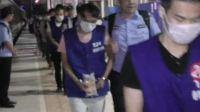 太解气!一大波境外特大通讯网络诈骗团伙被中国🇨🇳警方连夜押解回国受审👍