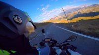 伴随着落日余晖,伴随着山路压弯的兴奋,自由的翱翔在阿尔卑斯山脉中.希望能让你觉得在我的后座跟我一起骑行