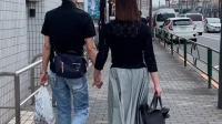 日本女人对丈夫有没有房子,无所谓。没有房子,租房子住。还有日本人工作调动比较多,房产税等。有人说最主要原因没钱