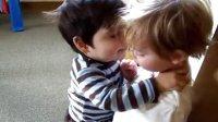 【轻松时刻】可爱宝宝卖萌初吻