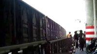 火车牵引货列过场中路