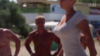 大胸女汉子街头健身血脉偾张 真正的女神!