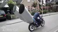 搞笑的摩托车视频