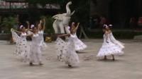 中华民族民俗游乐园  九顶塔  【一】 九顶塔  【一】  泼水节的传说