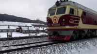 K265次 DF4D3238 通过绥佳线K182KM道口朗乡镇