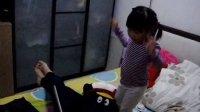 【即兴自编舞】然儿跟着iPad唱唱跳跳の《甩葱歌》