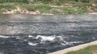 00914-2012年黎川河边1