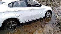 星辉遥控车BMW X6过泥潭