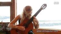 俄罗斯美女古典吉他演奏家叶凯捷琳娜演奏《科庸巴巴组曲》