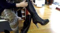 Q03-店员试靴03