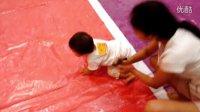 宝宝爬行比赛初赛 第一