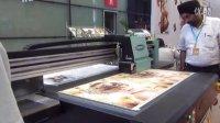 UV打印视频-绘迪酷美F1212平板打印机打印广告板