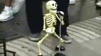 搞笑的骷髅舞蹈