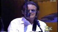 7人同台《加州旅馆》98年老鹰乐队入选摇滚殿堂(历史上的所有成员齐聚一堂)