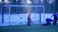 20110208 KHJ play soccer