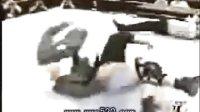 """WWE【UT8D.COM】奥斯丁生涯100大精彩绝技""""扣颈断头台"""""""